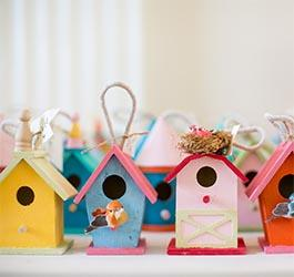 What is a good housewarming gift?